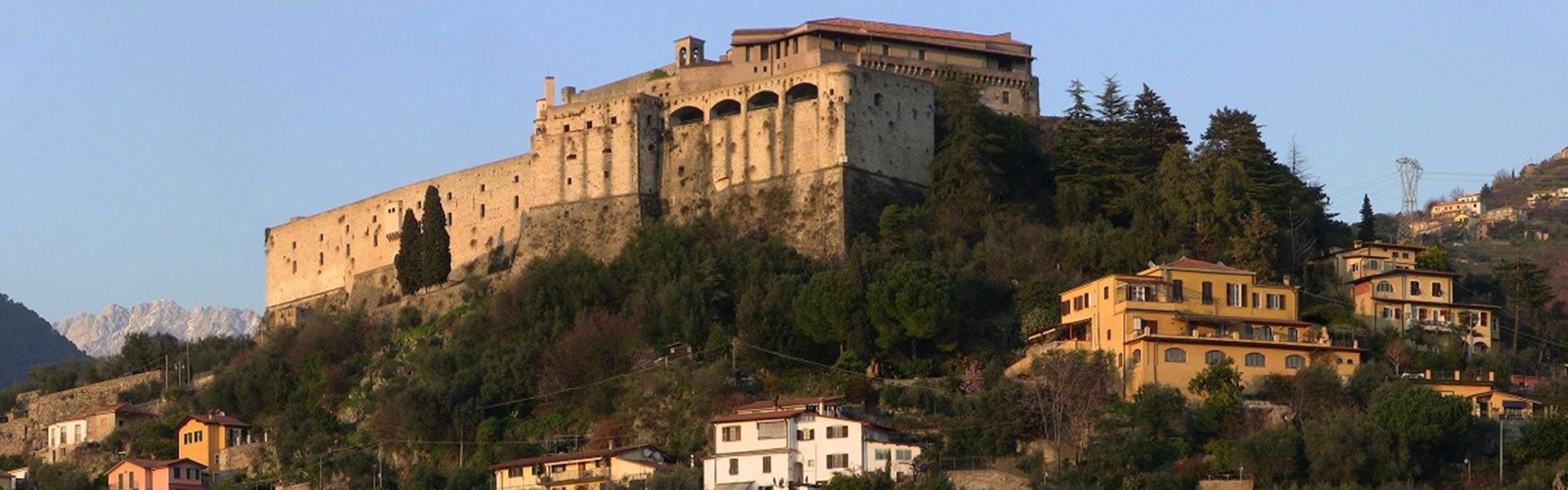 Lunigiana Grantour Lunigiana Castello Malaspina 1